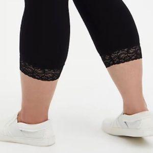 🆕 Black Lace Hem Premium Capri Legging 2X 18 20